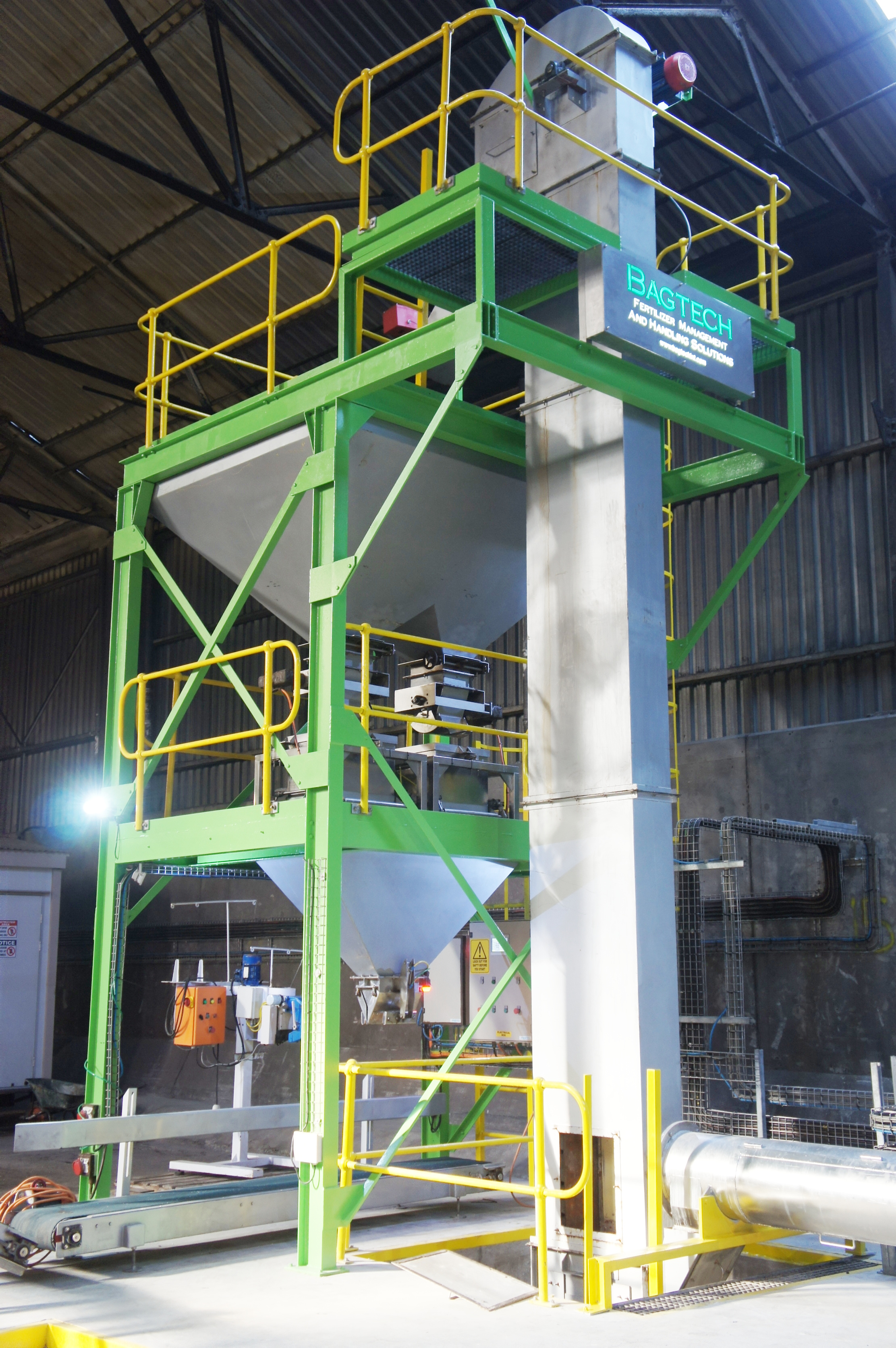 High tech fertilizer machines and service management is available for the Middle Eeast market.