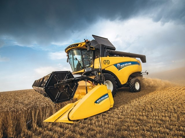 New Holland Agriculture launches the CH CROSSOVER HARVESTING combine range that sets new standards of capacity and versatility in mid-range combines